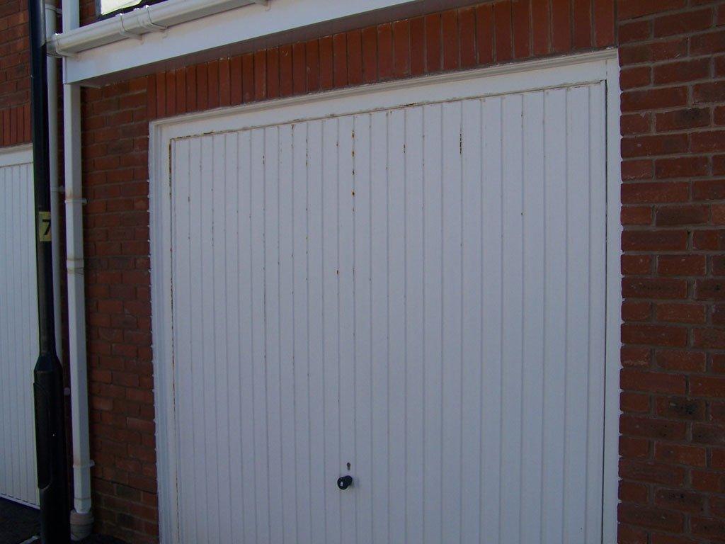 Single garage door before Revampz refurbishment