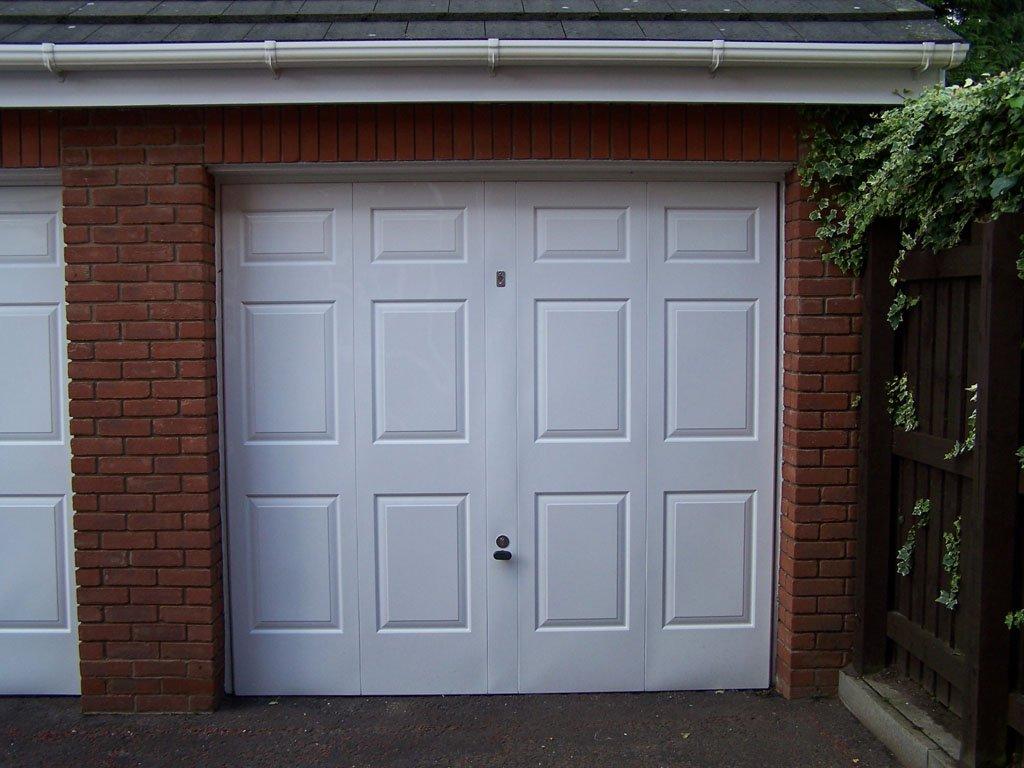 Single garage door after Revampz refurbishment