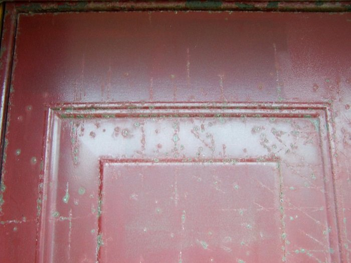 Freckleton Garage door before ABS fascia makeover – close up