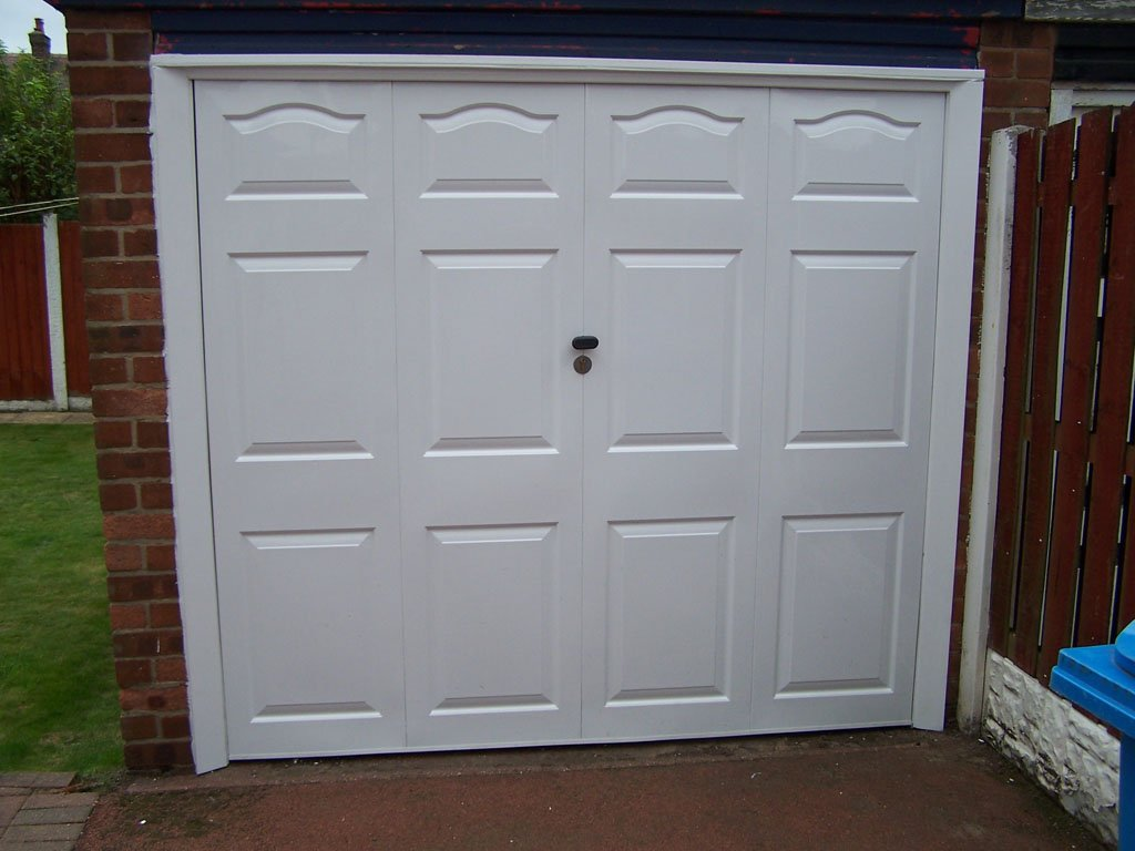 Lytham St Annes garage door after Revampz makeover